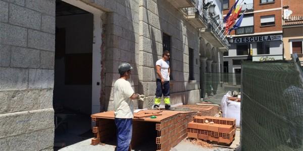 Creación de rampa de acceso al ayuntamiento