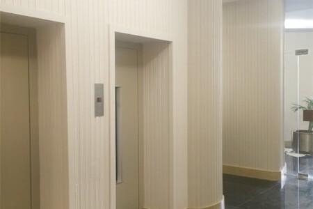 Resultado de la reforma en la zona de ascensores