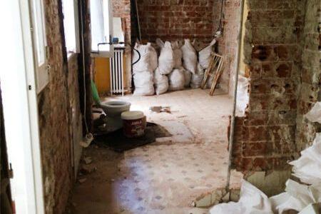 Demolición tabiques de baño y cocina